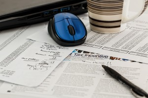 We can assist you with individual tax services that range from 1040EZ to Estate Tax Returns.